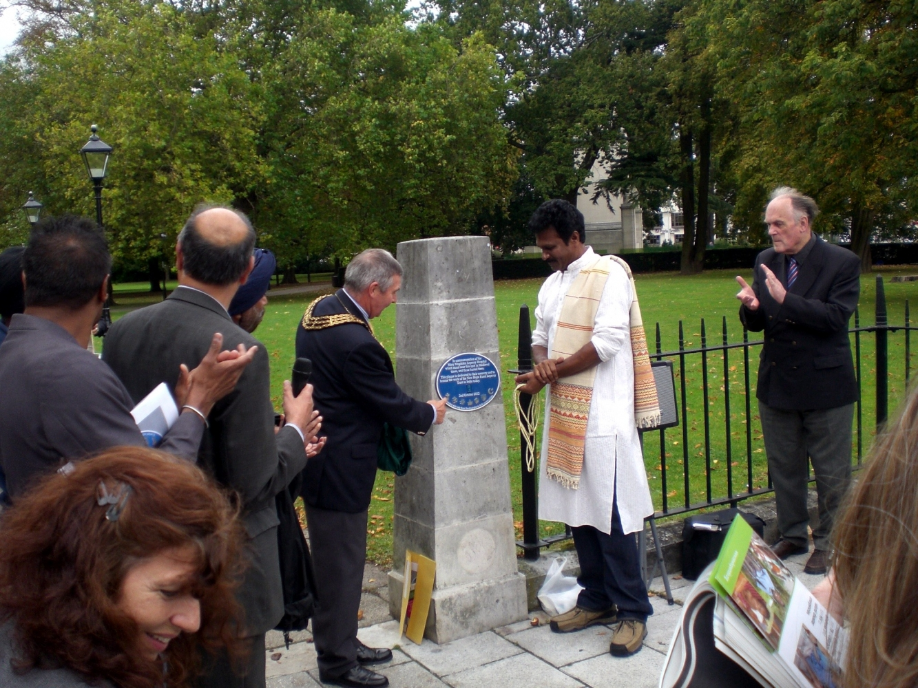 The new plaque unveilled. Image Will Temple